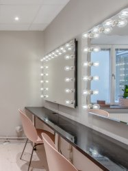 vanity-mirror-infinity-makeup-station