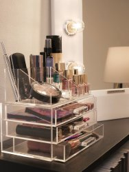 makeup-organize-cosmetics-plexi-beautiful-smart-cheap