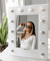 vanity-table-mirror-girl-sunglasses